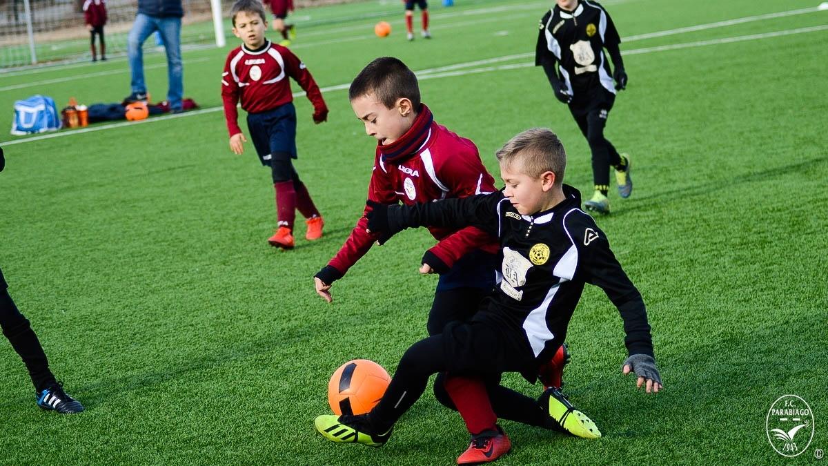 parabiago-calcio-primi-calci-2010-sq-rossa-vs-legnarello_00001