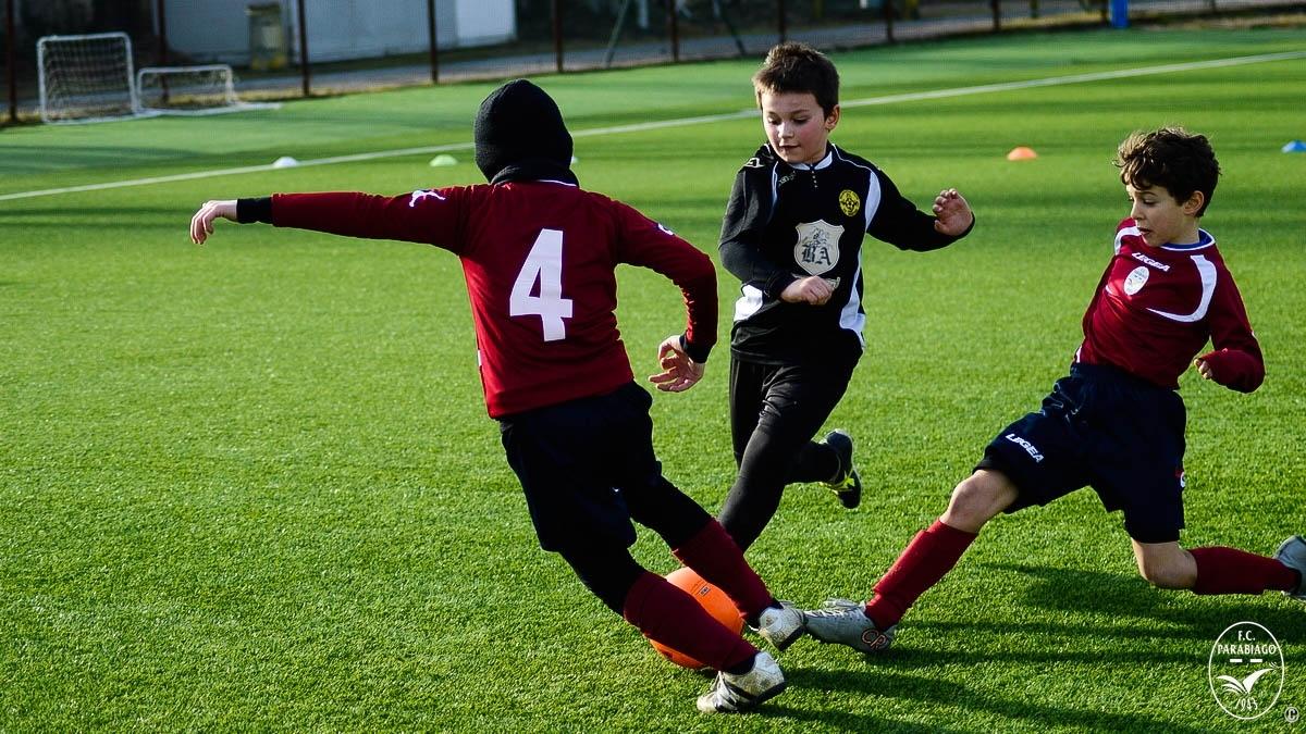 parabiago-calcio-primi-calci-2010-sq-rossa-vs-legnarello_00011