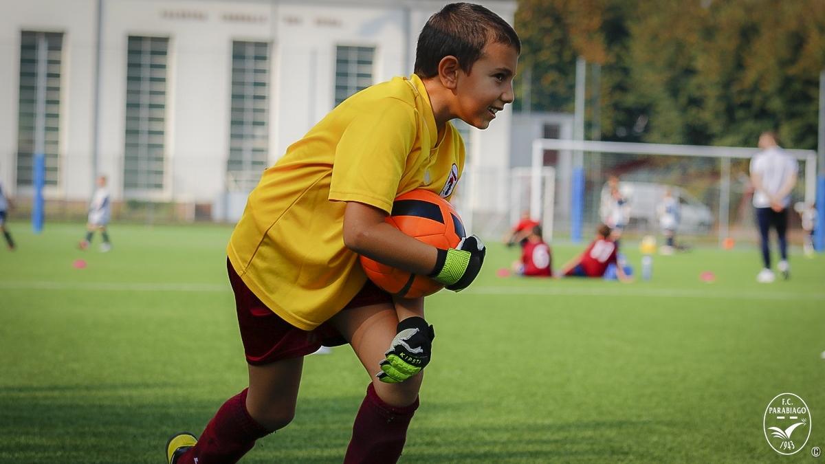 parabiago-calcio-primi-calci-2011-rossi-2018-10-20_00001