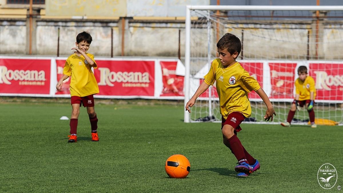 parabiago-calcio-primi-calci-2011-rossi-2018-10-20_00006