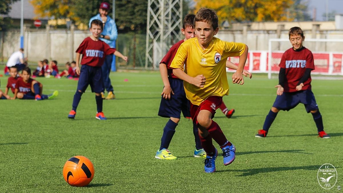 parabiago-calcio-primi-calci-2011-rossi-2018-10-20_00010