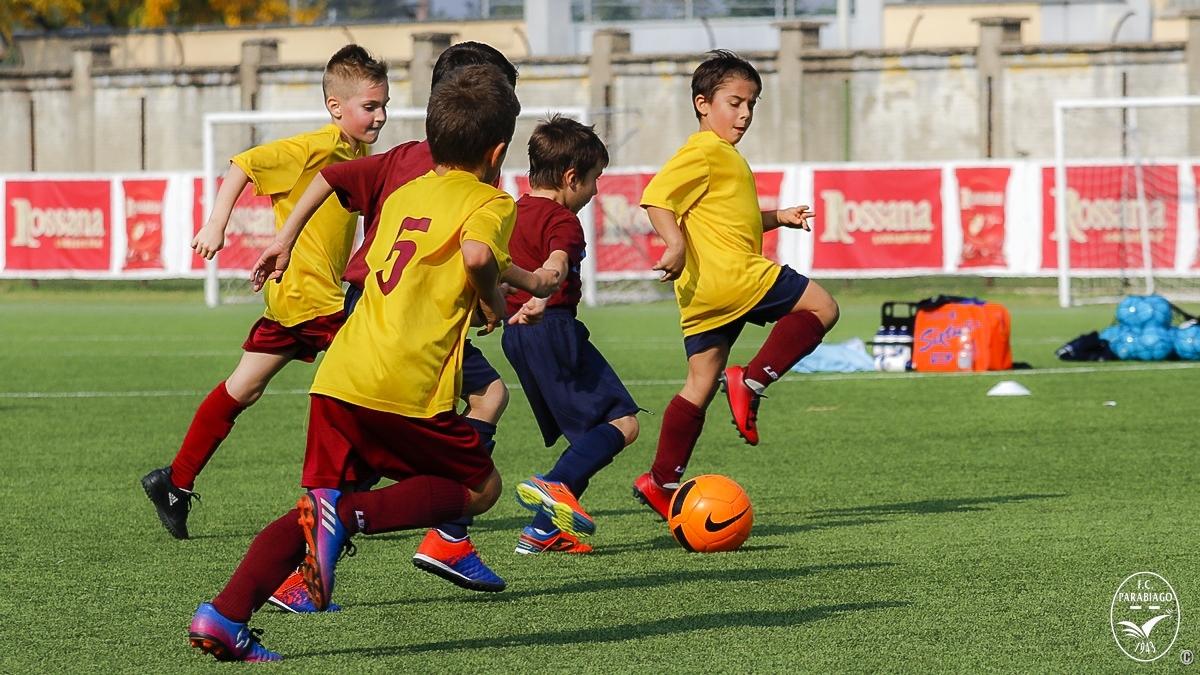 parabiago-calcio-primi-calci-2011-rossi-2018-10-20_00016