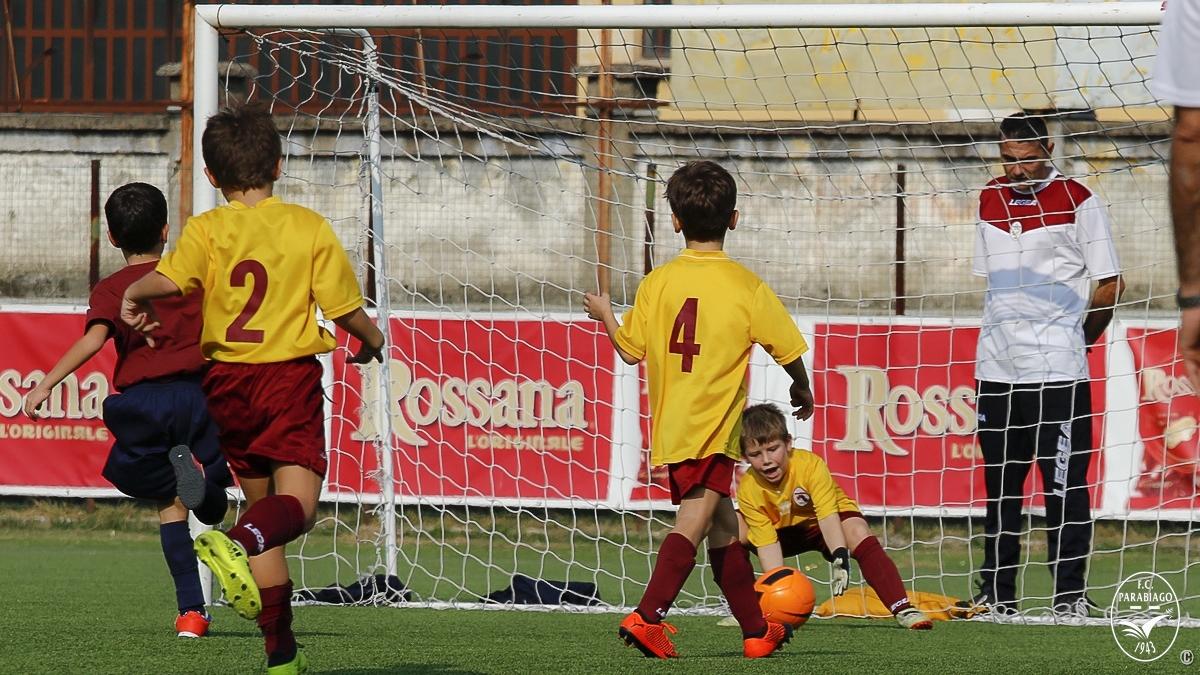 parabiago-calcio-primi-calci-2011-rossi-2018-10-20_00019