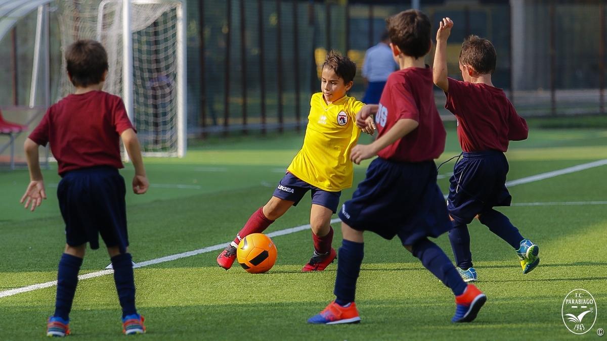 parabiago-calcio-primi-calci-2011-rossi-2018-10-20_00020