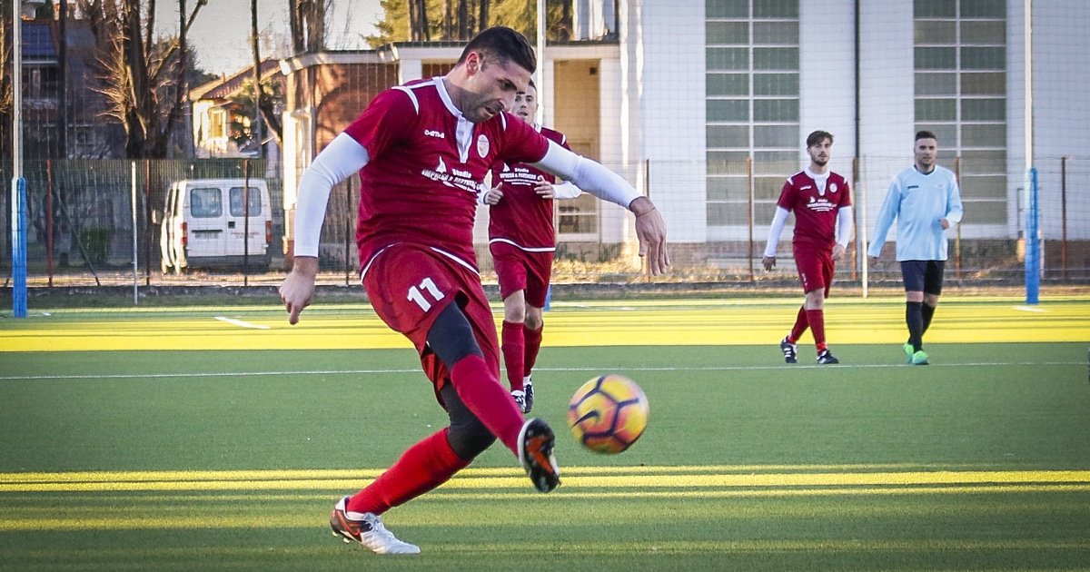 parabiago-calcio-prima-squadra-maddestra