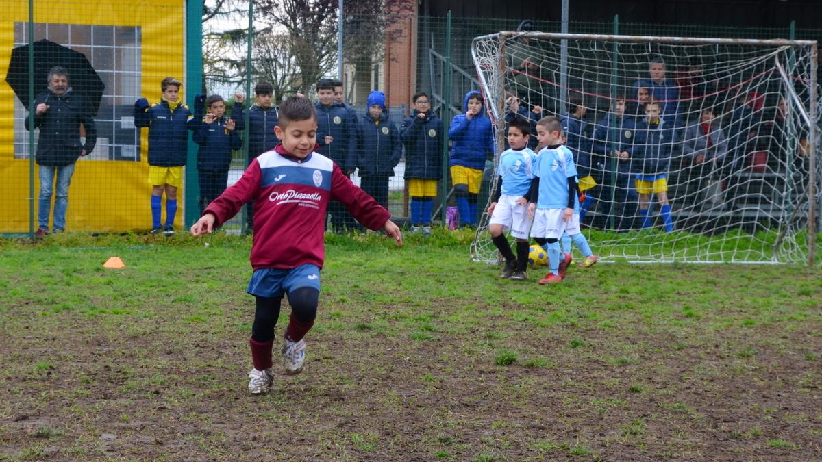 parabiago-calcio-piccoli-amici-2012-sq-rossa-pontevecchio